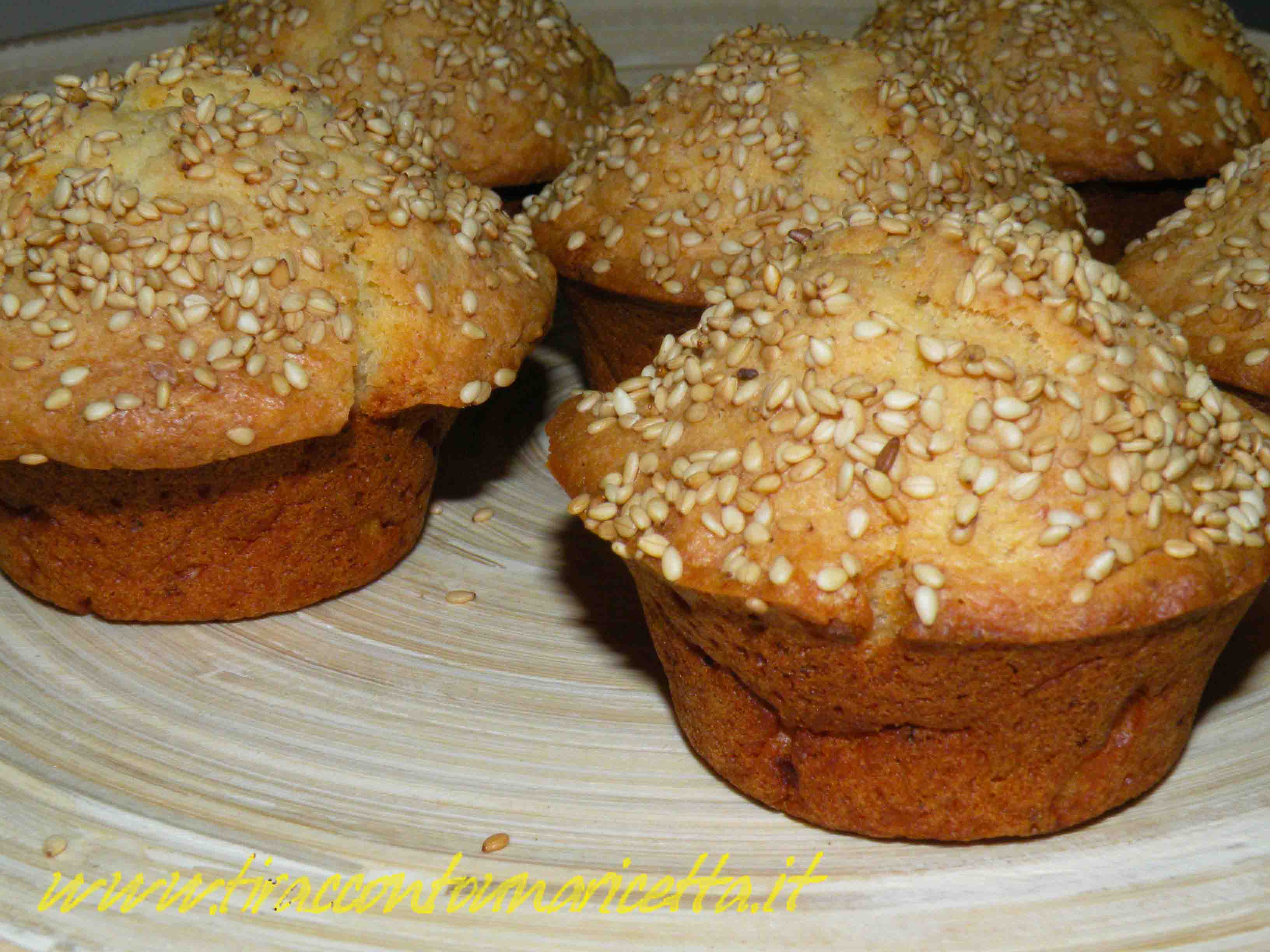 Muffin with ricotta cheese and sesame seeds