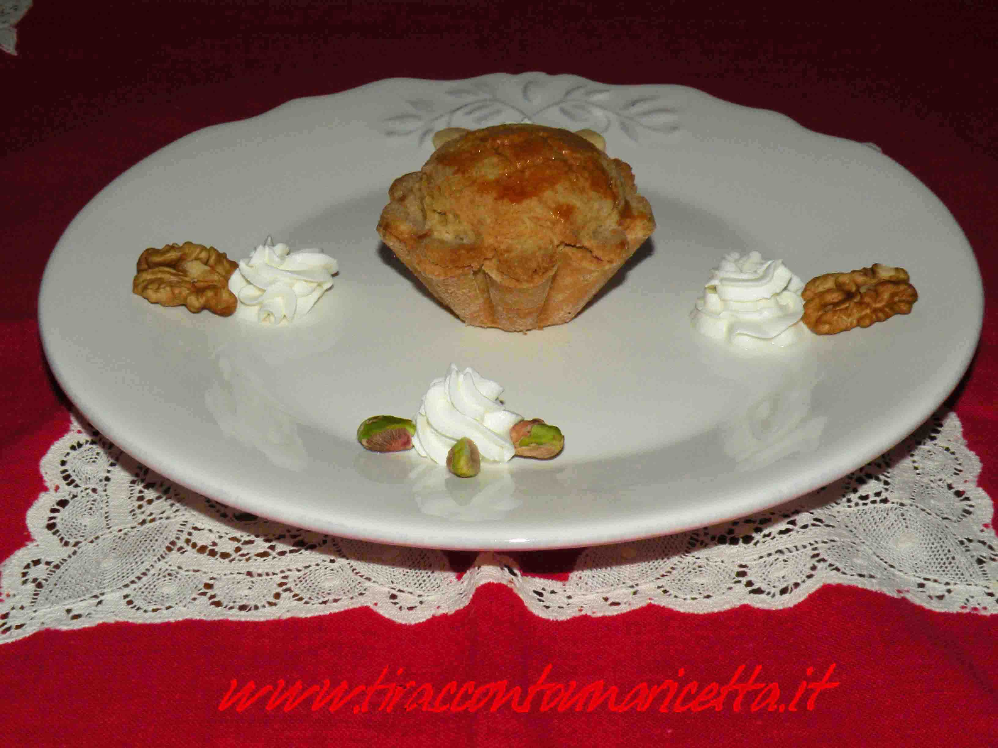Tartlets with dried fruit orange flavored