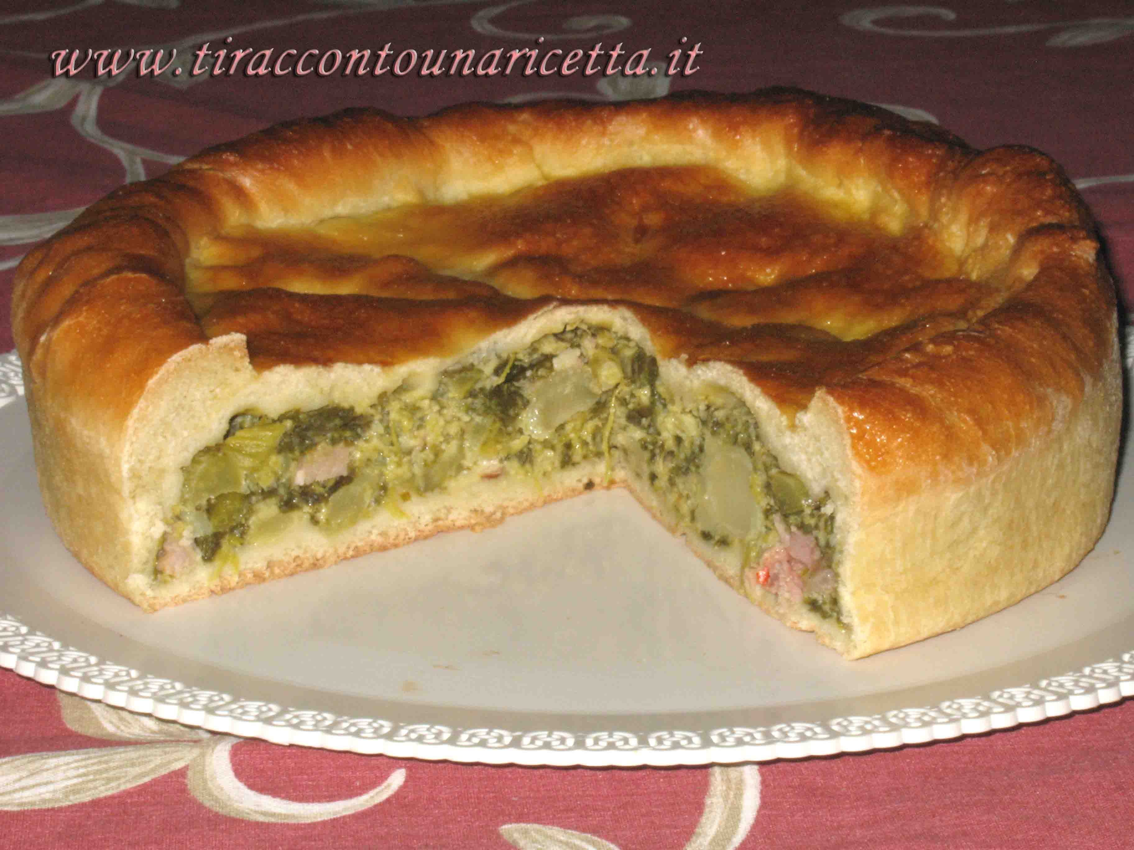 Rustic pie with broccoli, broccoletti and sausage