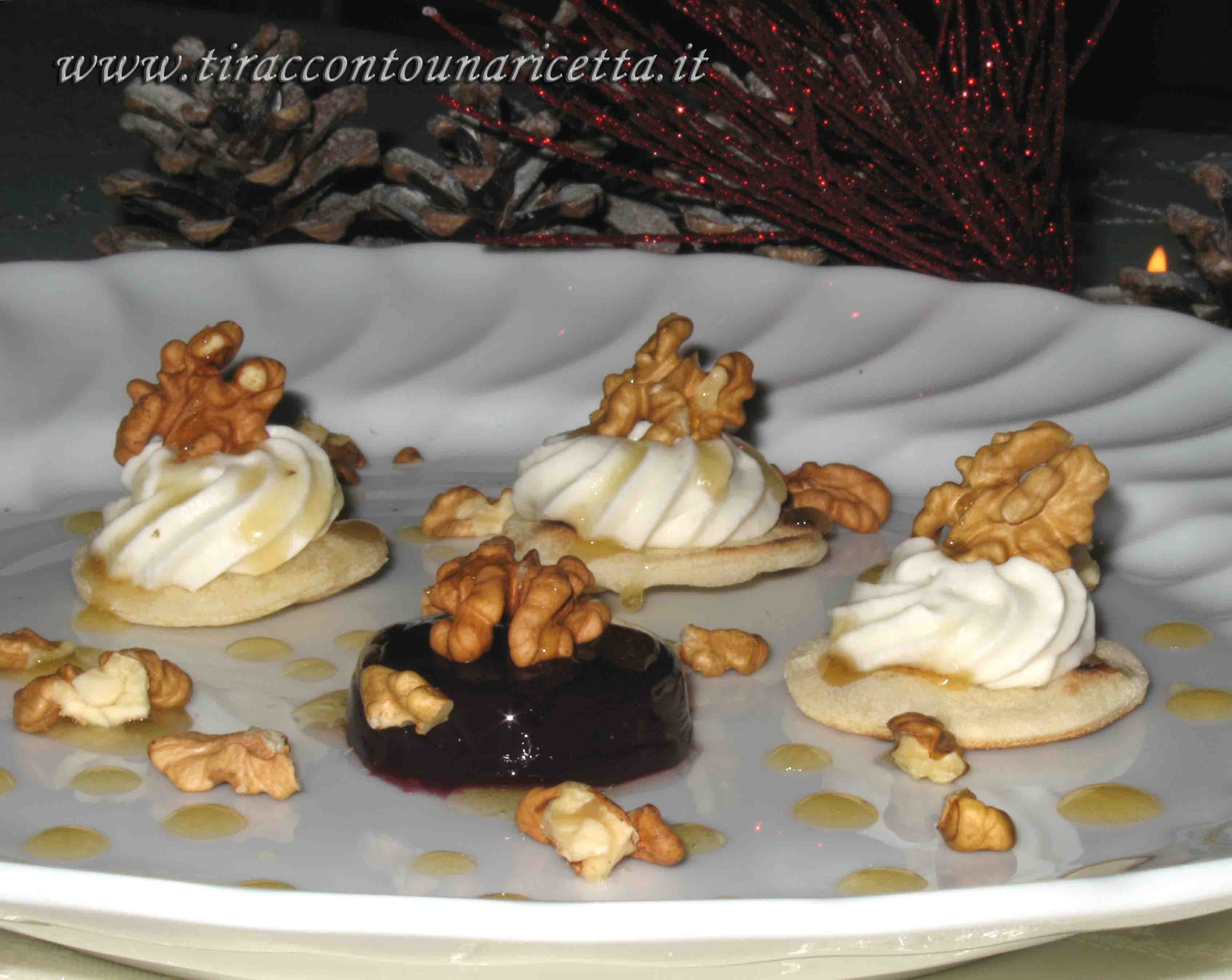 Gorgonzola Mousse with walnuts and wine gele