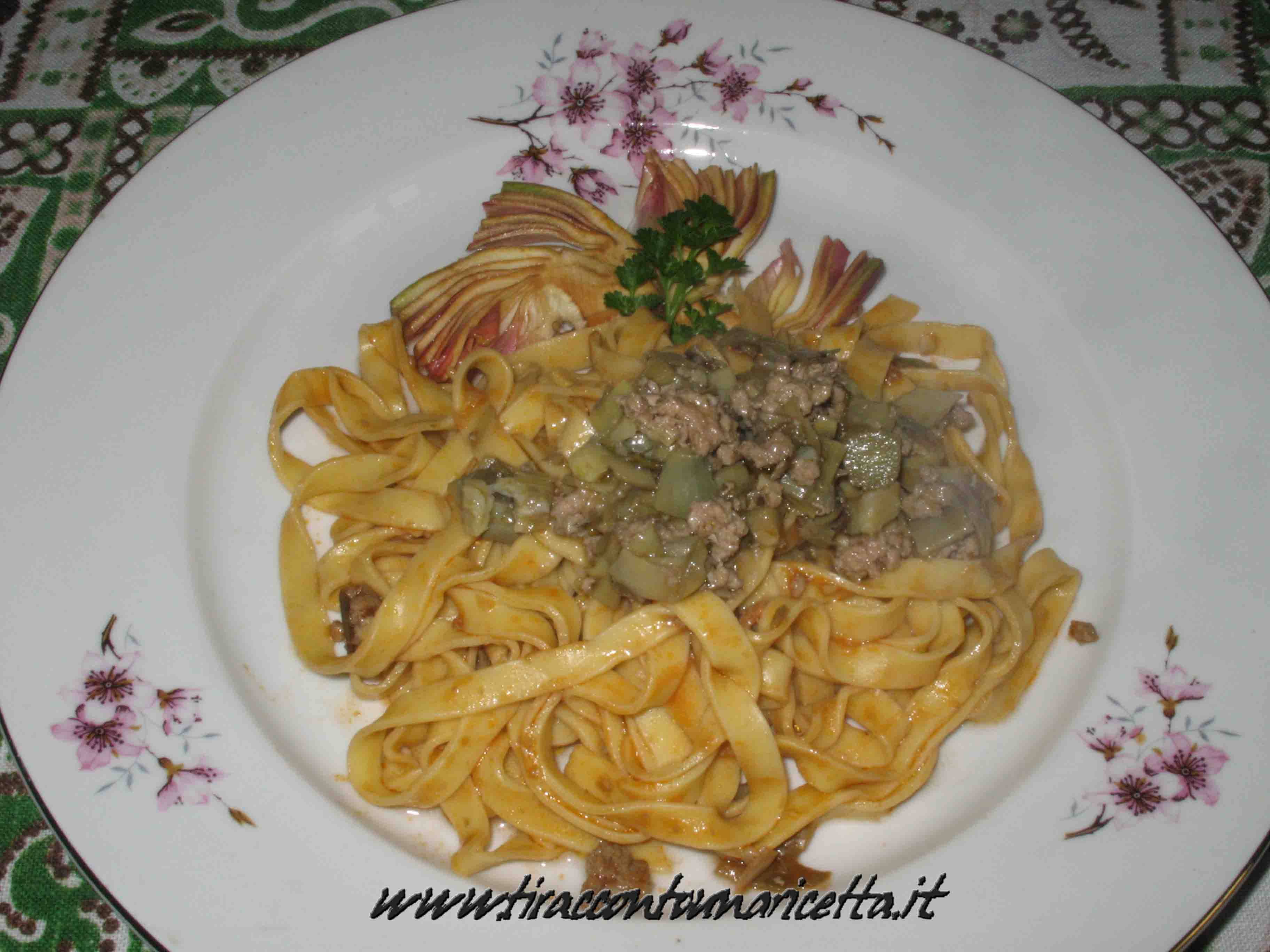 Fettuccine with artichokes and ground beef