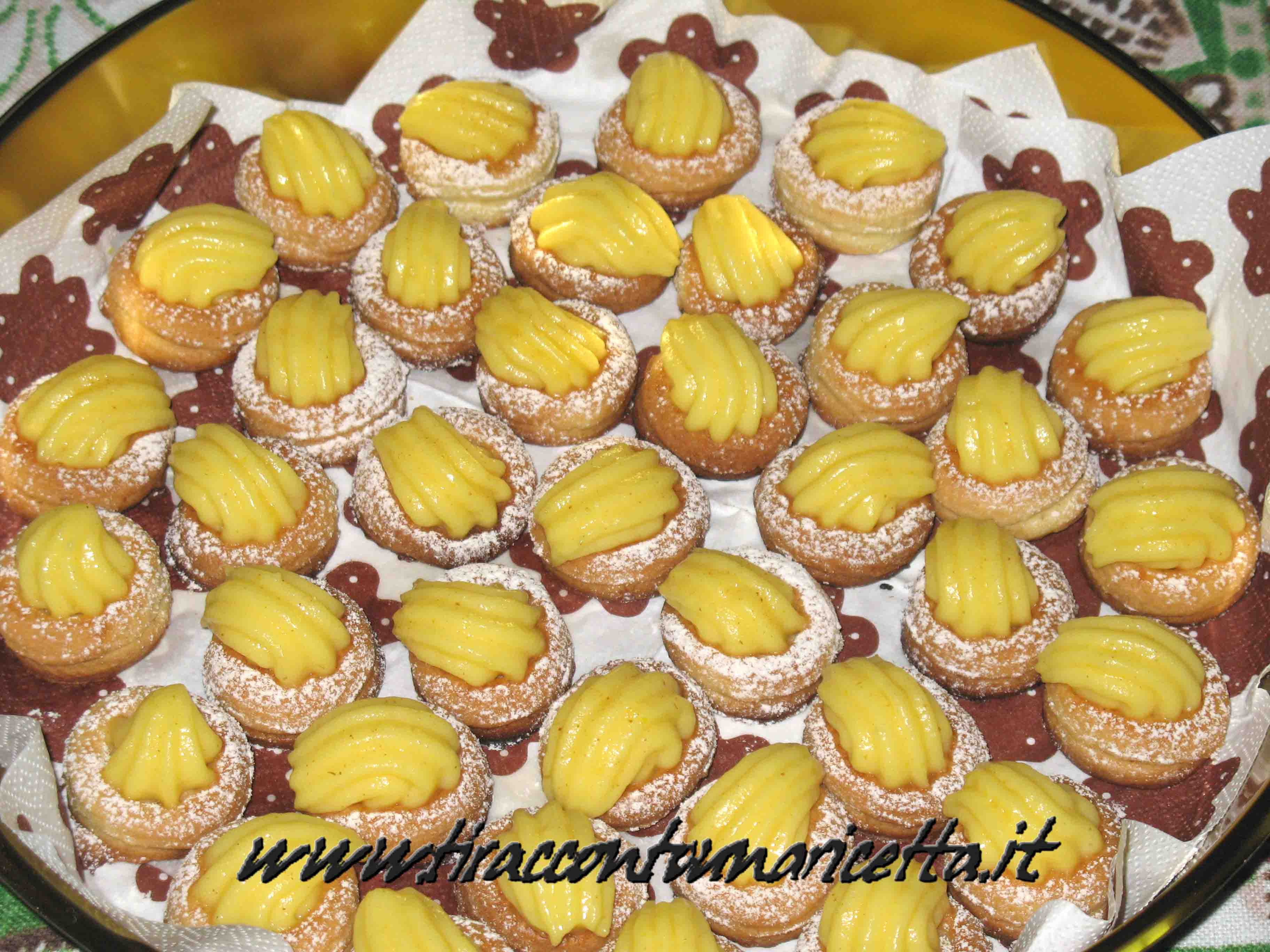 Frollini biscuits with lemon cream and ginger