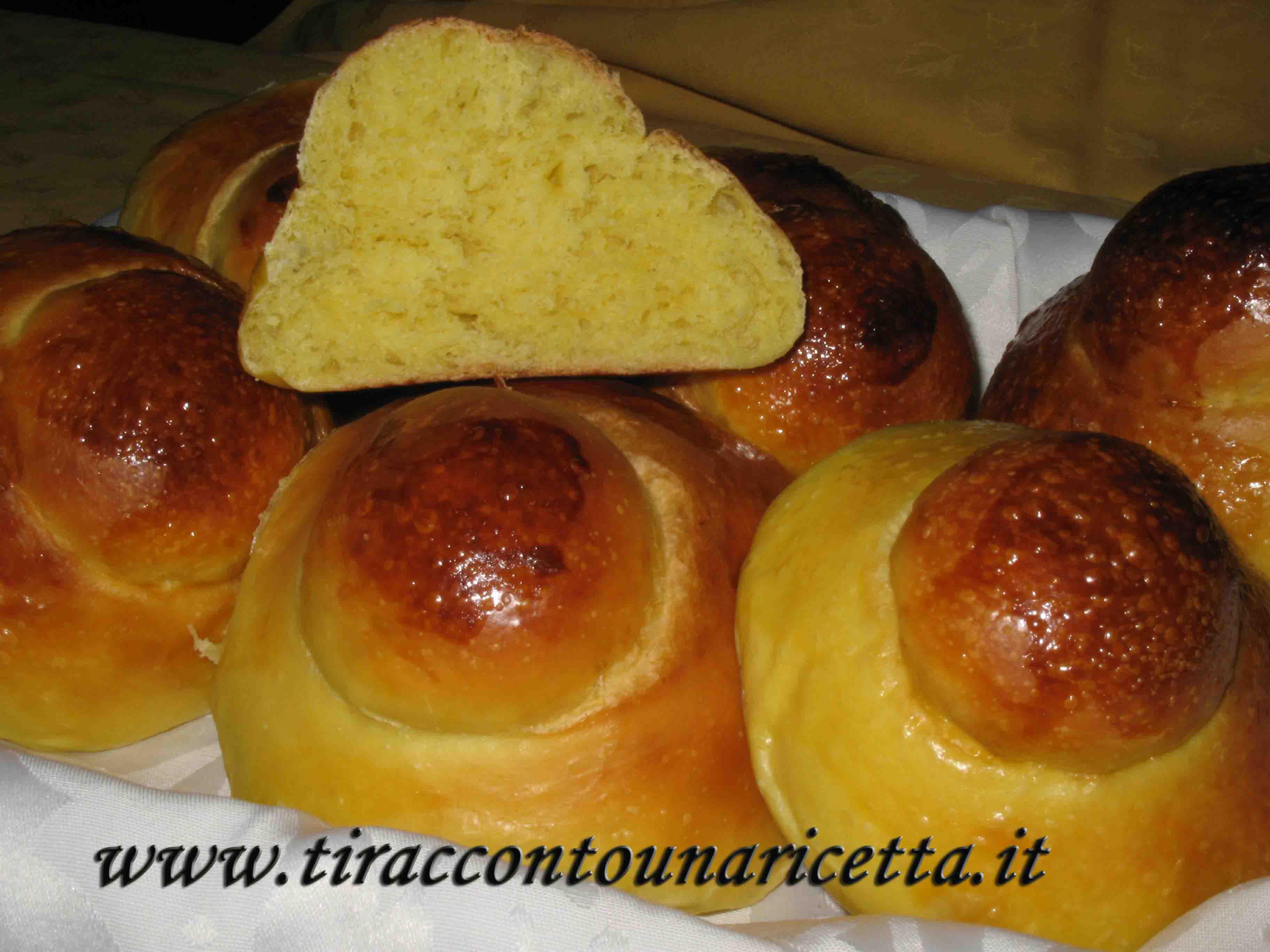 tiraccontounaricetta.it - Sicilian brioche or brioche co tuppu